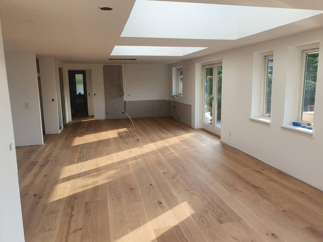Tømrerfirma tilbyder indendørs renovering af blandt andet gulve, lofter og vægge