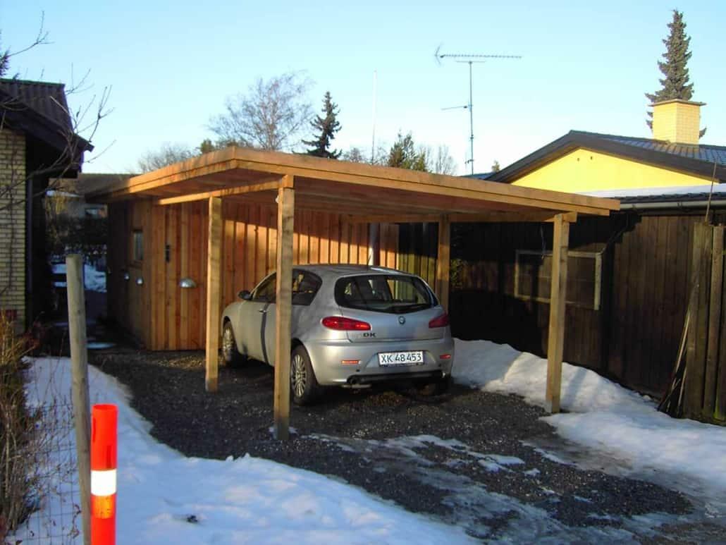En ny garage i træ, overdækket