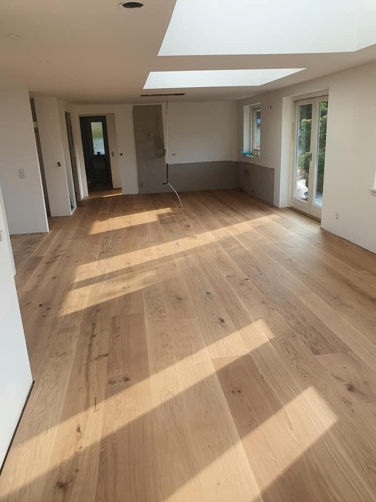 Tømrer- og snedkermester til indendørs renovering af blandt andet gulve, lofter og vægge